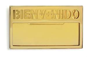 Brass with Bold Lettering Spanish Welcome Badge