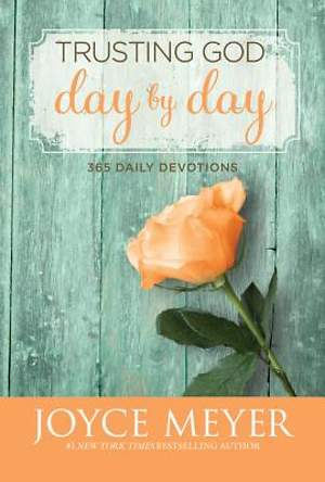 Trusting God Day by Day - Large Print Edition